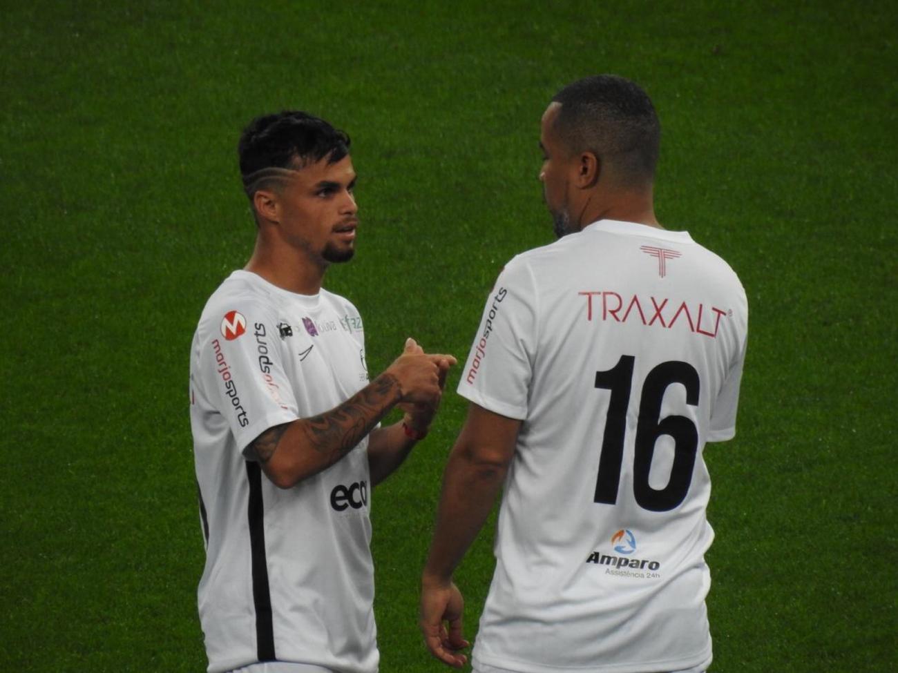Andrés Sanchez admite que o Corinthians negocia com o Goiás por Michael