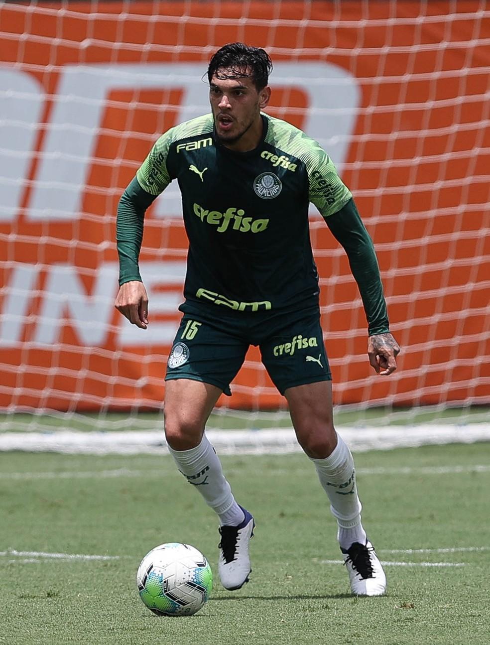 Gómez se recupera de lesão e volta a treinar no Palmeiras