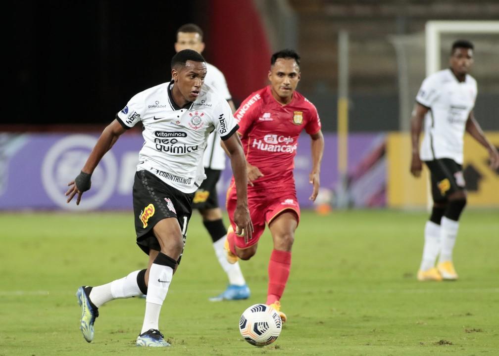Cauê vive semana inédita e marca primeiro gol internacional pelo Corinthians: