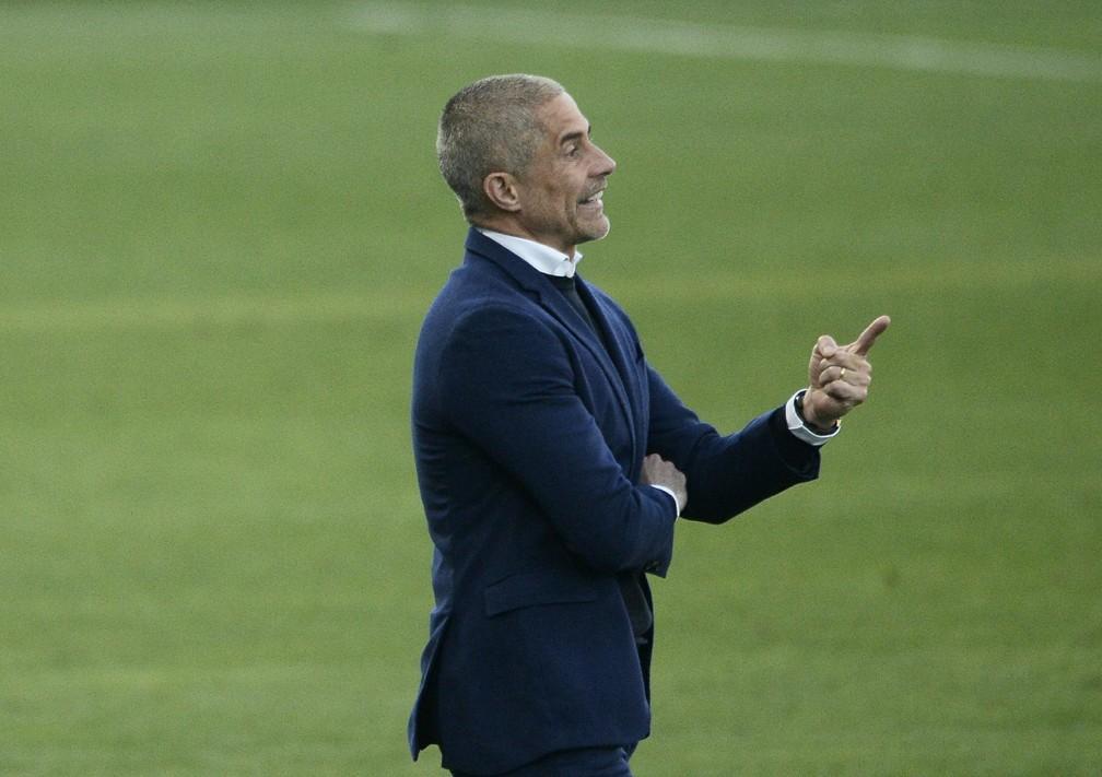 Sylvinho diz que Corinthians fez primeiro tempo apático contra o Flamengo: